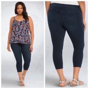 Torrid Curvy High Rise Skinny Crop Jeans Size 18